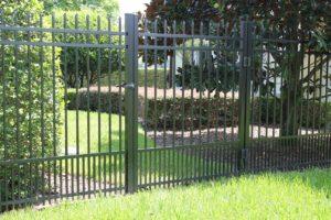 Хотите заказать забор из металла?
